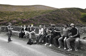 Walkers take a break - photo